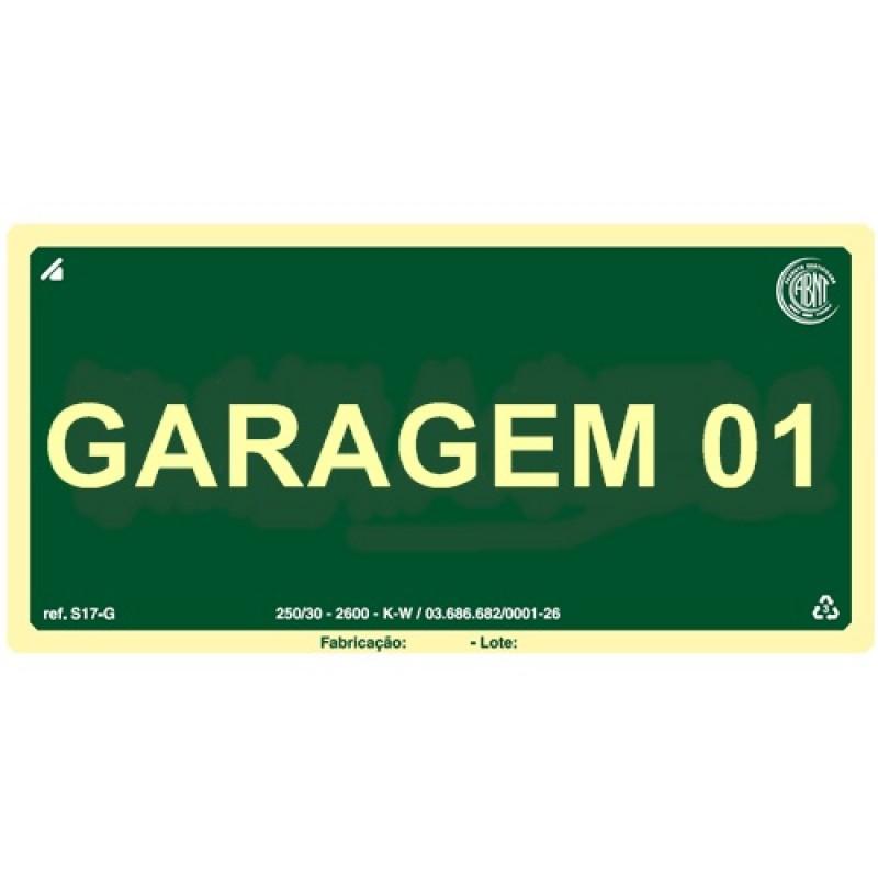 PLACA FOTOLU. AUTO EXTINGUÍVEL PAVIMENTO GARAGEM 01 ANDAR 19,5 X 19,5 (DESTAK)